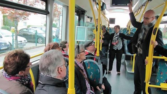 Horaires de bus repas des anciens concarneau ville d for Piscine concarneau horaires